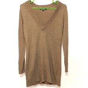 Love Stitch dark camel long sleeve V neck sweater
